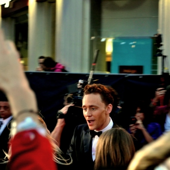 Tom Hiddleston Arrives